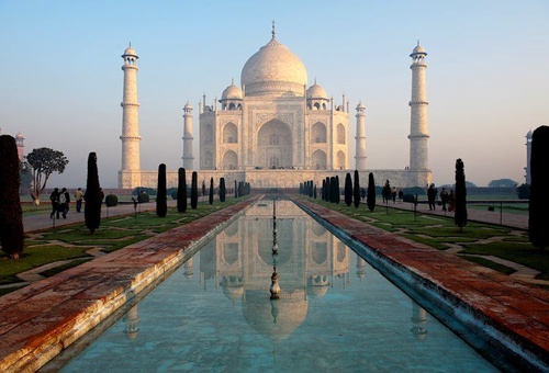 taj mahal and its reflection in pool 9485965 Large